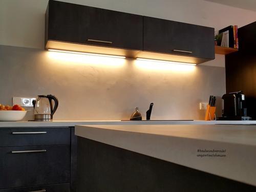 Küche-Wandgestaltung-Betonlook-Frankfurt-Taunus-Wiesbaden-Mainz-Rheingau-Tino Lehmann Tel: 06123 97 48 188